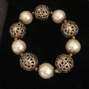Jewelry - GORGEOUS STRETCH CHAMPAIGN PEARL & GOLD BRACELET